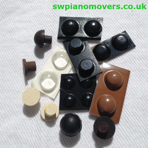 Piano lid bump stops, rubber pads and tacks